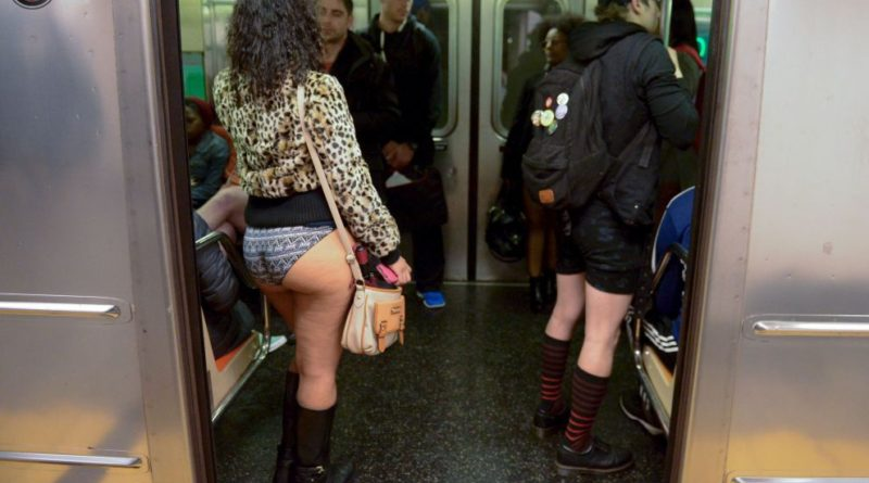 "New York :  Questo weekend ""NO PANTS SUBWAY RIDE"", tutti in mutande sottozero!"