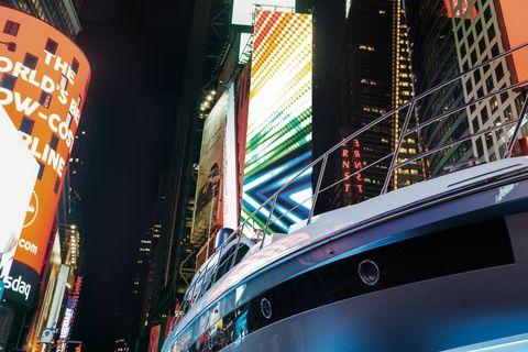 Azimut Yacths a Times Square