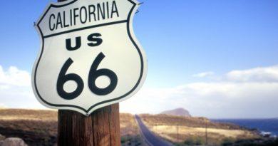 Dalla Route 66 ai canyon fino alle immense spiagge californiane. Ecco come l'American Dream e i suoi miti diventano realtà