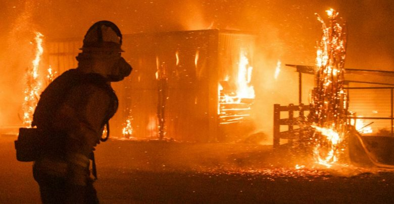 Allarme rosso contee Los Angeles, Ventura e San Bernardino. Brucia la California, 200mila evacuati (Live Video)