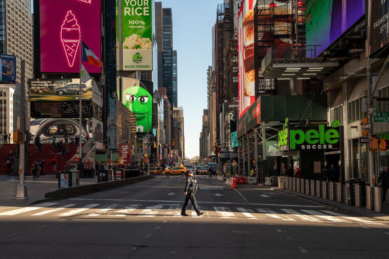 New York, la città che non dorme mai si è fermata: viaggio nella Grande Mela svuotata