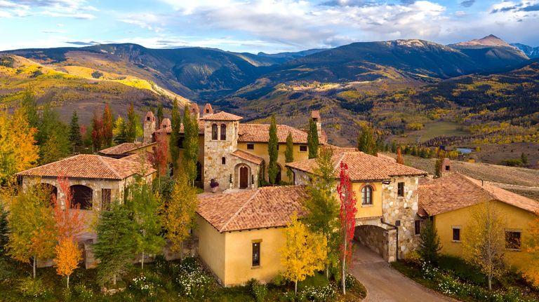 Questa villa ispirata alle colline toscane si trova in realtà in un luogo inaspettato